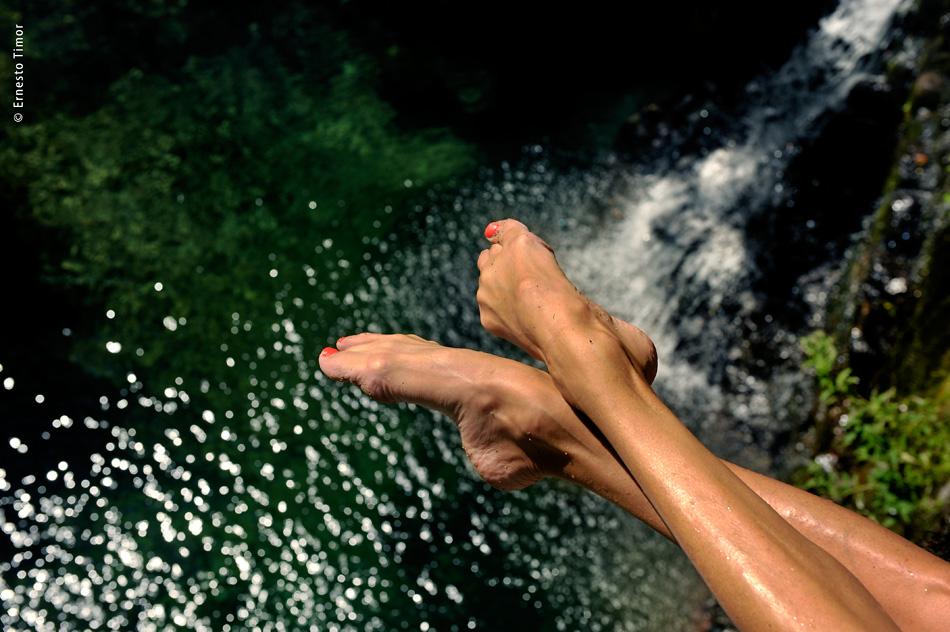 Photo © Ernesto Timor - Et au milieu coule une rivière